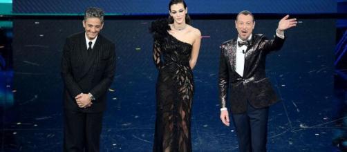 Sanremo: primo nella classifica provvisoria dei top 10 dopo la terza serata c'è Ermal Meta.