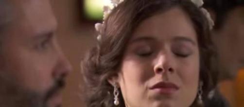 Una Vita: Ursula irrompe al fidanzamento di Genoveva e Felipe.