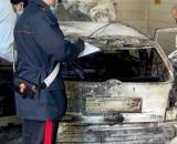 Ferrara, cugini ritrovati carbonizzati in auto: sarebbero stati uccisi con un fucile.