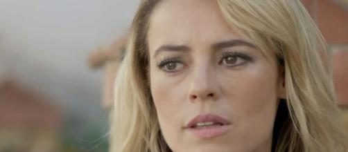 Jeiza fica abalada em 'A Força do Querer' (Reprodução/TV Globo)