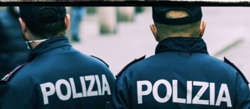 Cagliari, già ai domiciliari continua a maltrattare la compagna: arrestato 50enne.
