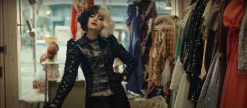 Emma Stone dans la nouvelle adaptation de Cruella - Capture d'écran Youtube