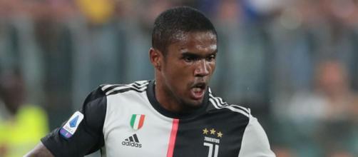Juventus, Douglas Costa potrebbe rescindere il contratto con i bianconeri.