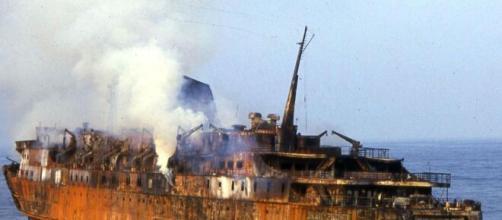 Moby Prince 30 anni dopo: nella strage morirono 140 persone, l'unico superstite Alessio Bertrand chiede verità.