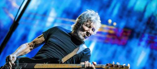 Pink Floyd, Roger Waters annuncia il suo tour 2022.