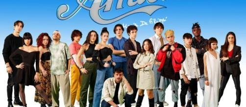 Amici 20: Enula è fuori dal talent, Carolyn Smith commenta la sfida tra Serena e Martina