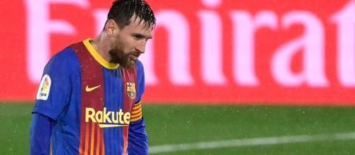 Messi grelotte en plein match avant de changer de maillot (Credit : Bein Sport)