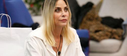 Stefania Orlando, la risposta al commento di un fan di Salemi: 'Polemiche sterili'.