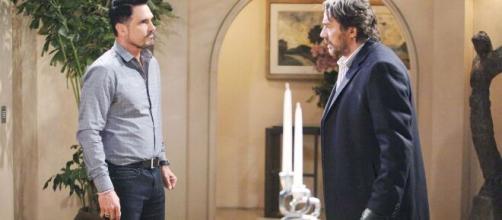 Beautiful, anticipazioni. Ridge molla un pugno a Bill dopo aver scoperto il bacio con Brooke.