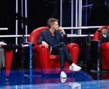 Amici, Stefano De Martino sbotta dopo i fischi: 'La sedia è una, non c'è spazio per tutti'.