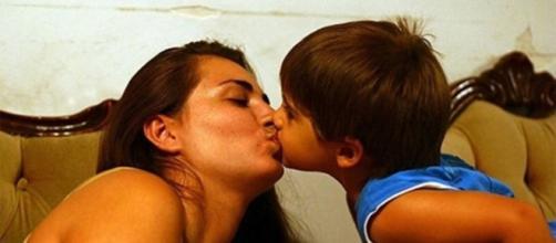 Il faudrait arrêter de faire des bisous à ses enfants - Photo Pixabay