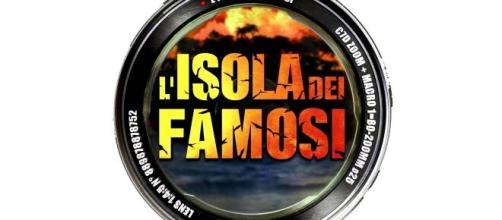 Isola, D'Anelli sulle nuove naufraghe Tittocchia-Ferrera: 'Paradossale ritrovarsi insieme'.