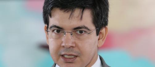 Senador Randolfe Rodrigues quer presidir CPI da Covid-19 ( Lula Marques/Agência PT)