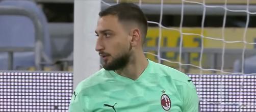 Gigio Donnarumma, classe 1999, alle prese con un complicato rinnovo di contratto con il Milan.