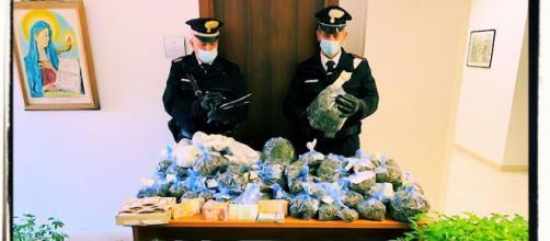 La coppia di Olbia è stata arrestata dai carabinieri.