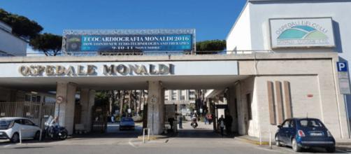Napoli: familiari vittima di Covid-19 aggrediscono operatori socio sanitari dell'ospedale Monaldi.