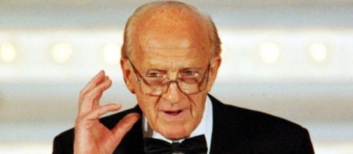 Raimondo Vianello, era nato nel 1922.