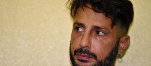 Fabrizio Corona esce dal carcere, l'avvocato Chiesa: 'Sono molto contento, era ora'.