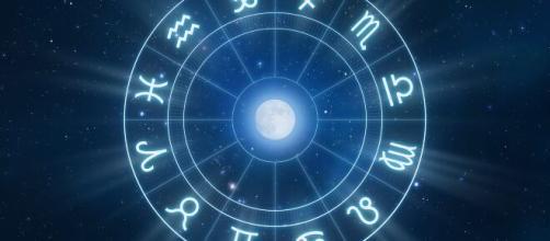 Oroscopo e previsioni della giornata di giovedì 22 aprile 2021.