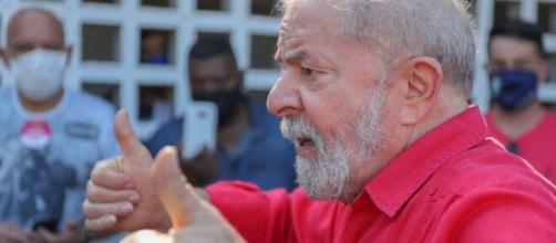 Bolsonaro perderia para Lula em segundo turno das eleições 2022 (Arquivo Blasting News)