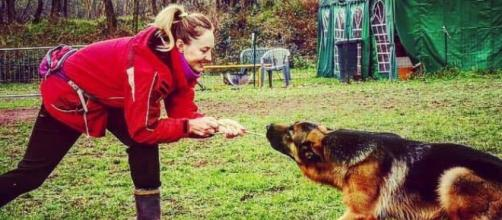 Pavia, istruttrice di cani trovata priva di vita in un canale irriguo | repubblica.it