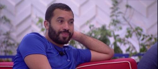 Gilberto é um dos favoritos a ganhar o 'BBB21', aponta enquete UOL (Reprodução/TV Globo)