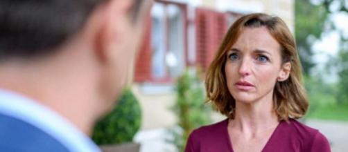 Tempesta d'amore, trame tedesche: Cornelia confessa a Robert di essersi innamorata di lui.
