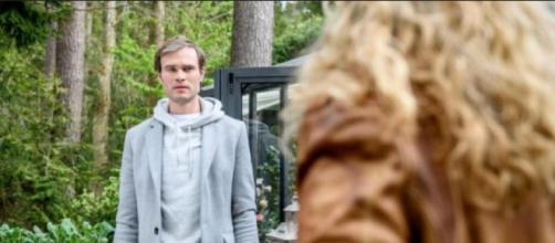 Tempesta d'amore, trame tedesche: Steffen mediterà vendetta nei confronti di Tim e Franzi.