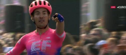 Alberto Bettiol vittorioso al Giro delle Fiandre 2019.