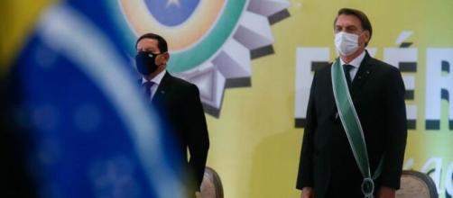 Bolsonaro e Mourão participam de solenidade comemorativa do Dia do Exército (Isac Nobrega/PR)