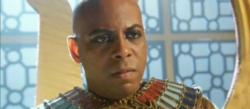 Faraó estará carcomido pelas chagas em 'Gênesis'. (Reprodução/RecordTV)