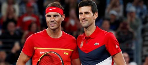 Nadal e Djokovic: scontro a distanza tra i due.