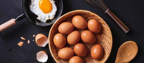 Ovos crus podem ser um verdadeiro risco de intoxicação. (Arquivo Blasting News)