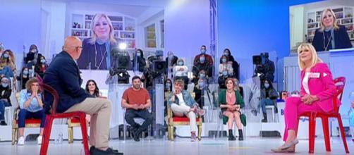 Uomini e Donne, anticipazioni 20 aprile: Gemma chiude con Roberto? L'attacco di Tina.