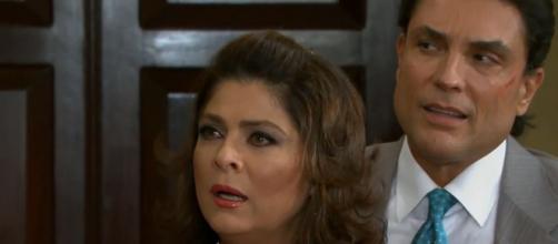 """Vitória fica em choque em """"Triunfo do Amor"""" (Reprodução/Televisa)"""