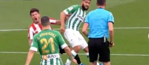 Fekir coupable d'un mauvais geste contre Bilbao. (crédit : capture d'écran BeIN Sports)