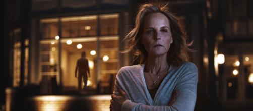 Helen Hunt está em 'À Espreita do Mal', novo filme de suspense da Netflix (Divulgação/Netflix)