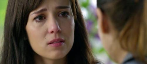 Manuela se desespera em 'A Vida da Gente' (Reprodução/TV Globo)