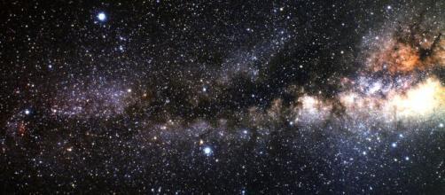 Previsioni zodiacali di giovedì 22 aprile: Cancro malinconico, Vergine attiva.