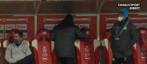 Le coup de tête de Sampaoli contre le mur de son banc (Source : Capture d'écran Canal+ Sport)