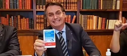 YouTube remove vídeos de Bolsonaro disseminando desinformação (Reprodução/Facebook)