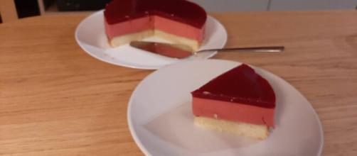 French raspberry bavarois (Image source: imgur/Youtube)