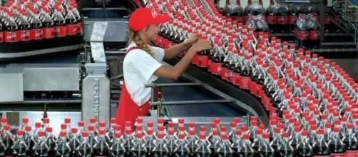 Coca-Cola tem vagas de emprego disponíveis (Divulgação)