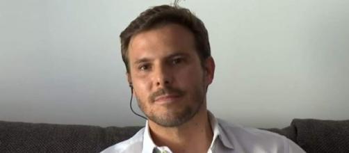 Joan, el hermano de Álex Casademunt, durante su intenvención en televisión (@telecincoes)