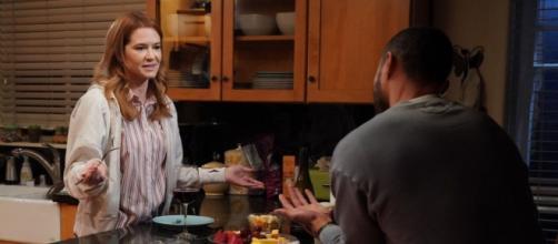 Intercettata da UsWeekly, Sarah Drew ha anticipato quanto accadrà a Jackson e April in Grey's Anatoy 17x14.