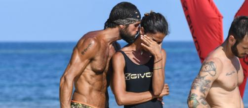 Isola, l'ex naufraga Martani attacca Francesca: 'Non ha votato Gilles perché ha paura'.