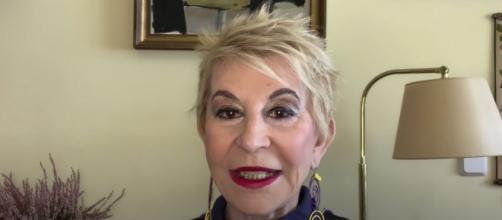 Karmele Marchante en el último video para su canal (@KarMarchante)