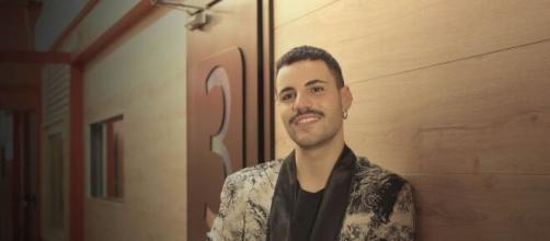 Amici 20, Rudy Zerbi invita a sorpresa Raffaele nella sua trasmissione radiofonica.
