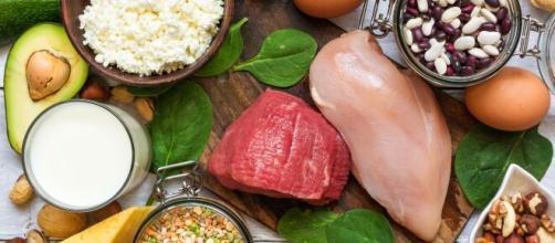 Alimentos ricos em proteínas para incluir na dieta. (Arquivo Blasting News)