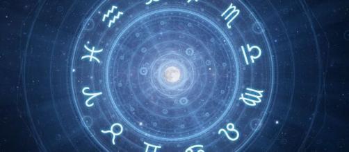 Previsioni oroscopo della giornata di martedì 4 maggio 2021